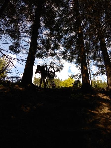 g180811035-Bike music fest, G vynasi kolo od jezu v Martinskem udoli