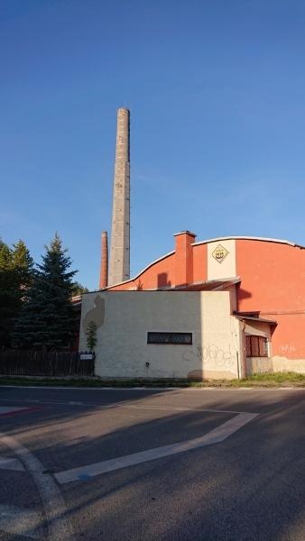 g190921034-S-Kobylkama-v-Luzickych-v-Chribske-byvala-sklarna-kominy