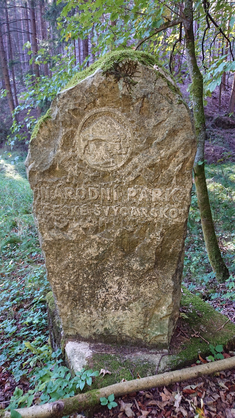 g190922002-S-Kobylkama-v-Luzickych-na-kolech-kamen-Narodniho-parku-Ceske-Svycarsko